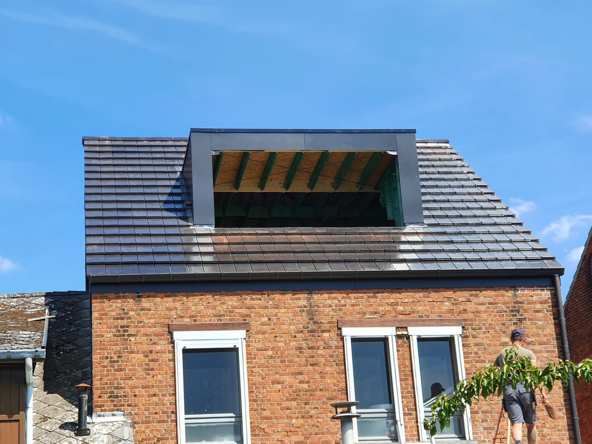Dakrenovatie Diest : Afbreken asbest en vernieuwen constructie met dakkapel